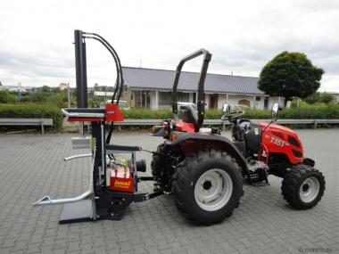 Tym Traktor T353 Schaltgetriebe mit Überrollbügel und IRMS Juwel Holzspalter
