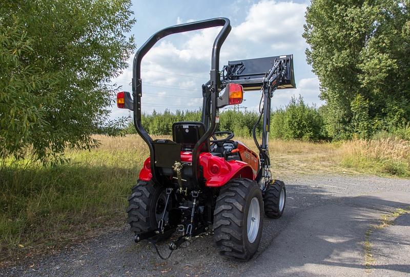 Tym traktor t273 hst 293 hst mit frontlader kommunaltraktoren
