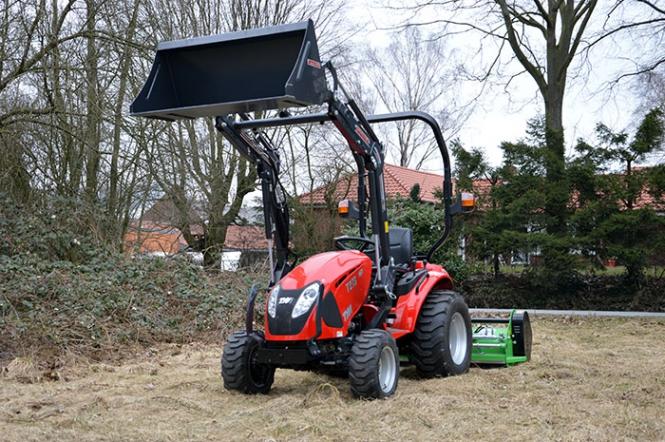 Tym traktor t hst mit frontlader und schlegelmulcher